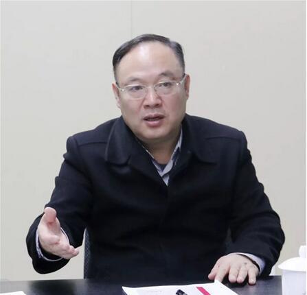 广西科技厅党组书记、厅长曹坤华.jpg