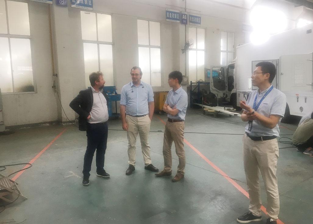 镇江市技术交易所携荷兰专家团队与康飞汽车企业开展技术专题研讨对接活动。.jpg
