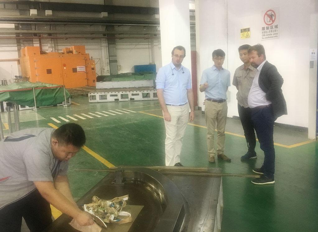 镇江市技术交易所携荷兰专家团队与航天海鹰企业开展技术专题研讨对接活动.jpg