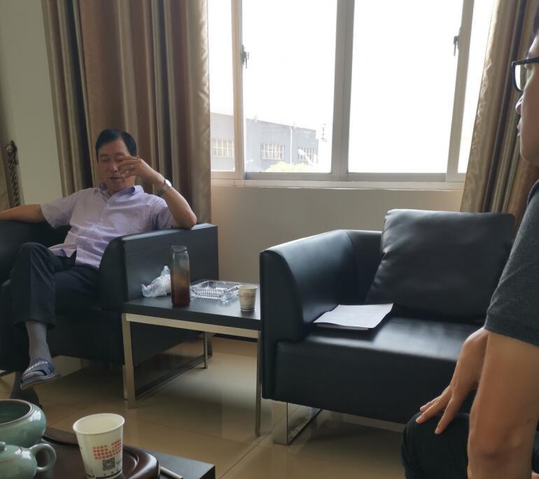 平台人员与广西永福华源科技有限公司冯总交谈.jpg